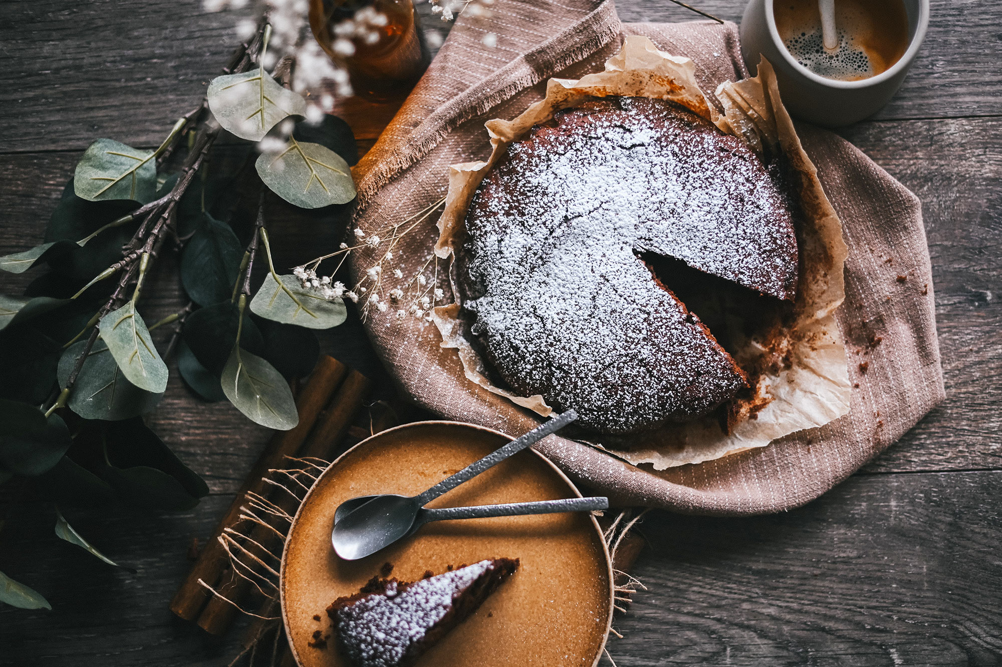 Torta al cioccolato - Photo by Gaelle Marcel on Unsplash